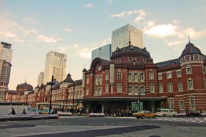 職業体験を夏休みの自由研究の課題に!?鉄道各社の職業体験プログラム。