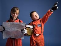 宇宙服を着た子供